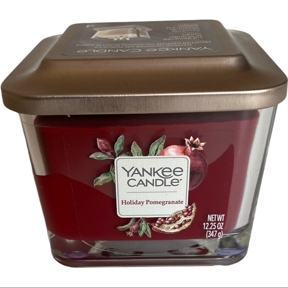 Yankee Candle Elevation Holiday Pomegranate 3-Wick